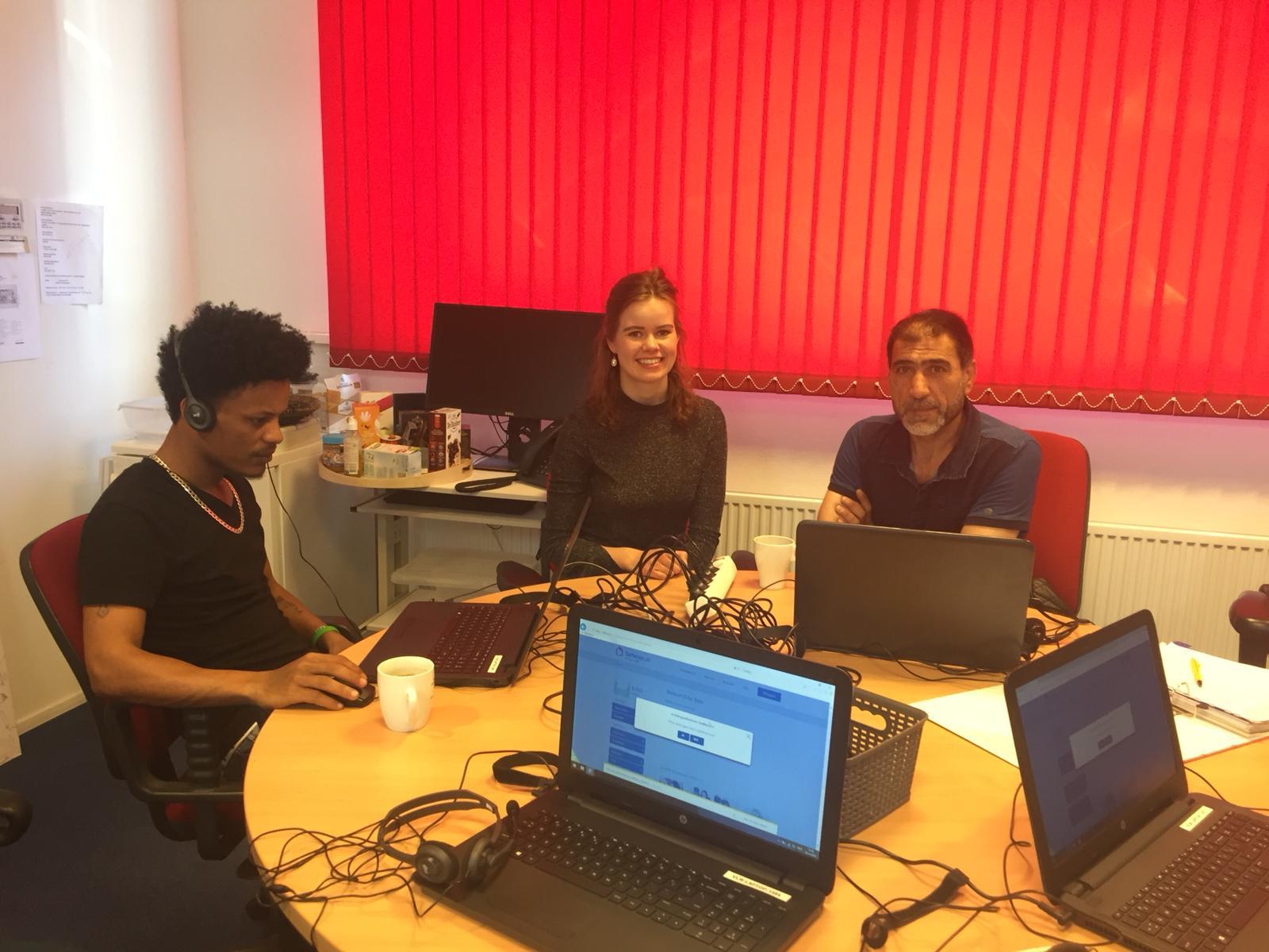 Statushouders in Velsen actief met e-learning